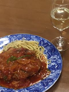 トマトを使った鶏の煮込みローマ風ってどんな料理?簡単に美味しく作れるレシピは?
