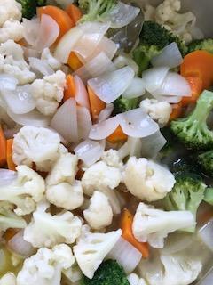 グッレク風って?ピクルスよりも手軽にできる!ワインにもよく合う夏に作りたい野菜料理!