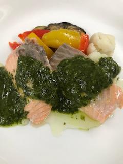 グリーンソースって?サーモンや魚料理によく合う?夏に食べたい一品!