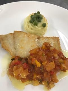 白身魚のムニエル夏野菜たっぷりラタトウュ風ソース?簡単で美味しい!