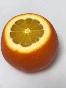 オレンジのフィレを取る